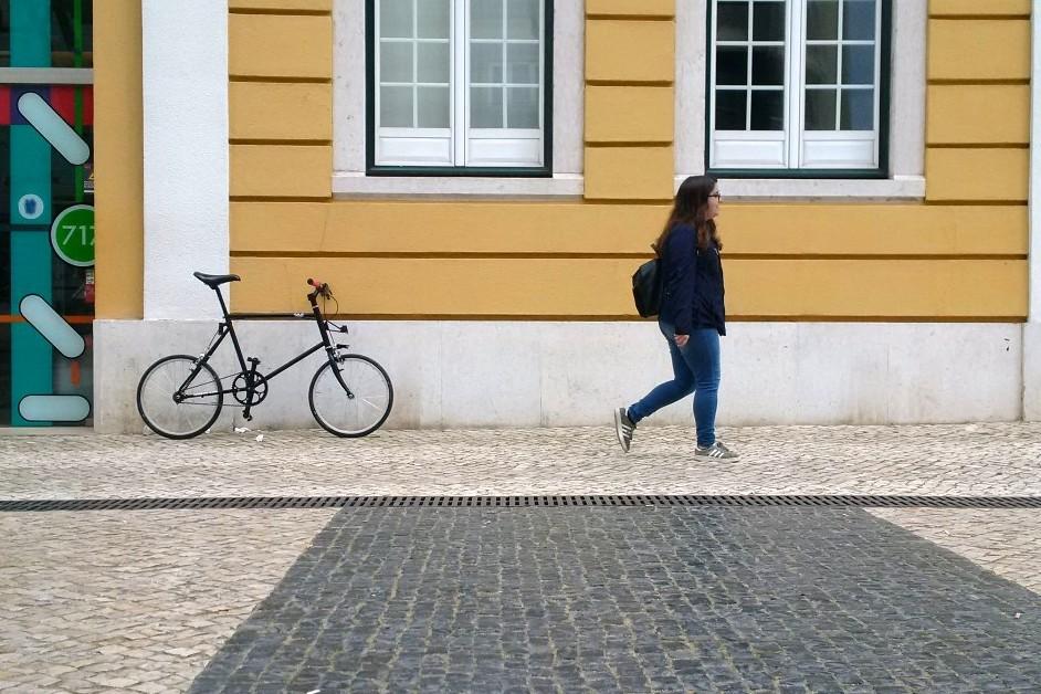 ir de bicicleta = distância social