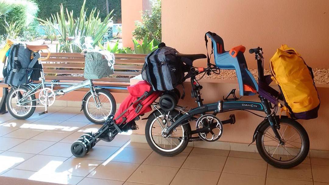 Transporte de crianças em dobráveis